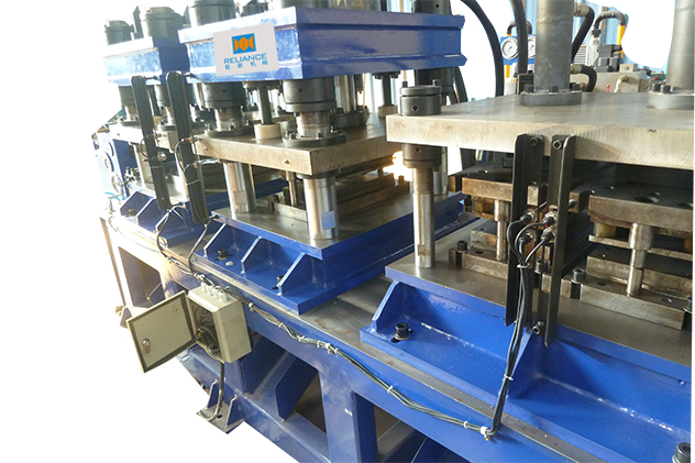 Tab 2-2 Inline punching for door frame roll forming machine