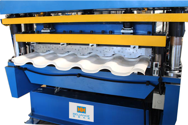 Tab 2-4 3D Cutting of Glazed Tile Roll Forming Machines